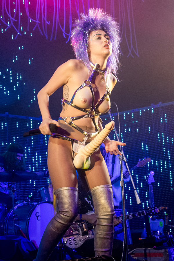 Miley Cyrus costume designed by Colin!